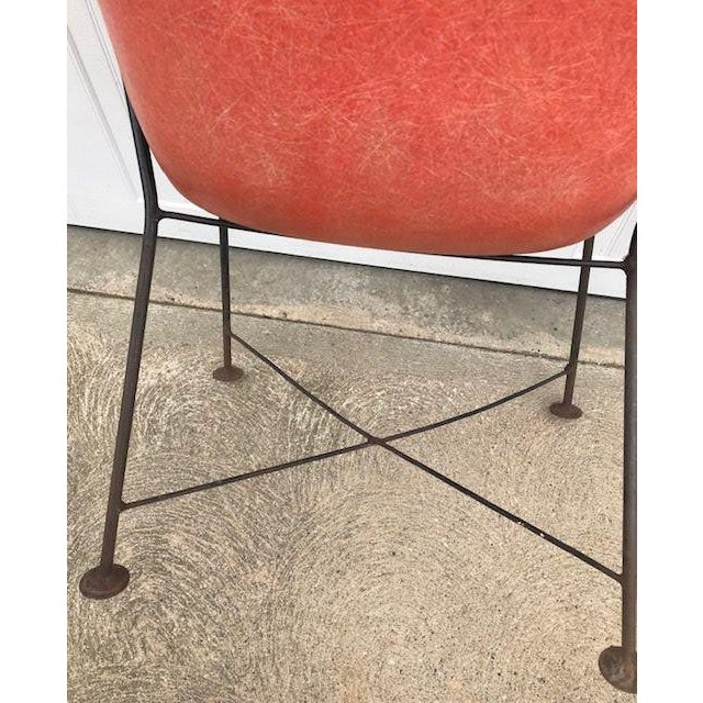 Lawrence Peabody for Selig Mid-Century Fiberglass Wing Chair For Sale In Boston - Image 6 of 7