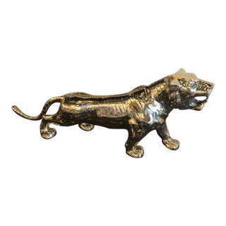 Vintage Hollywood Regency Polished Brass Tiger Statue Pair Available For Sale