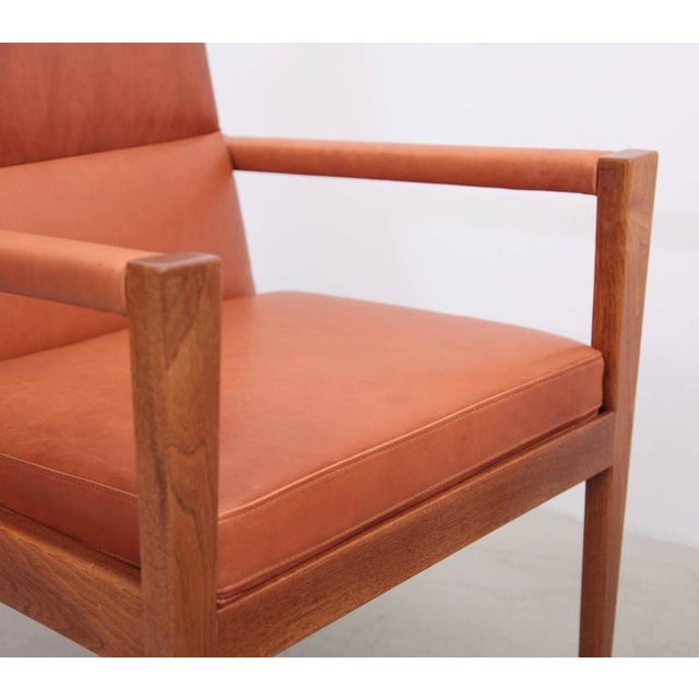 1960s Set of Ten Labeled Jens Risom Armchairs in Walnut in Cognac Leather For Sale - Image 5 of 9