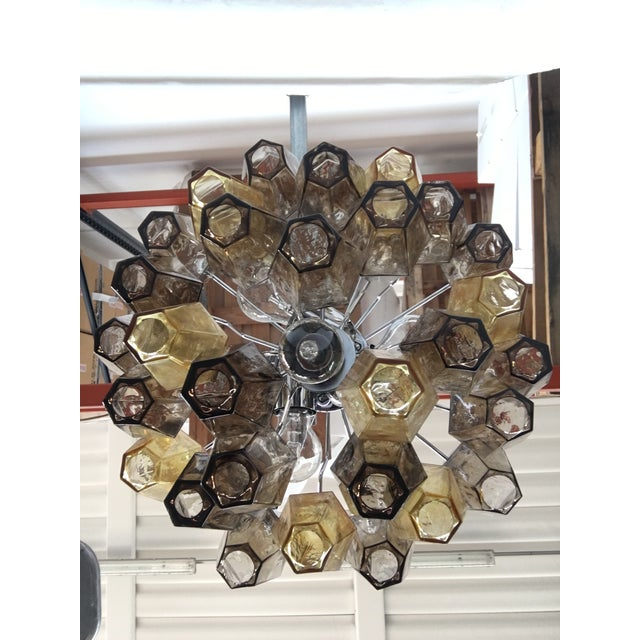 """2010s Italian """"Poliedro"""" Amber and Fume Chrome Metal Frame Murano Glass Chandelier For Sale - Image 5 of 11"""