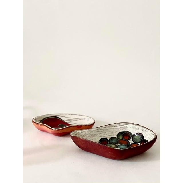 Mid-Century Modern Mid-Century Italian San Marino Pottery Leather Backed Trinket Dishes- Set of 2 For Sale - Image 3 of 5