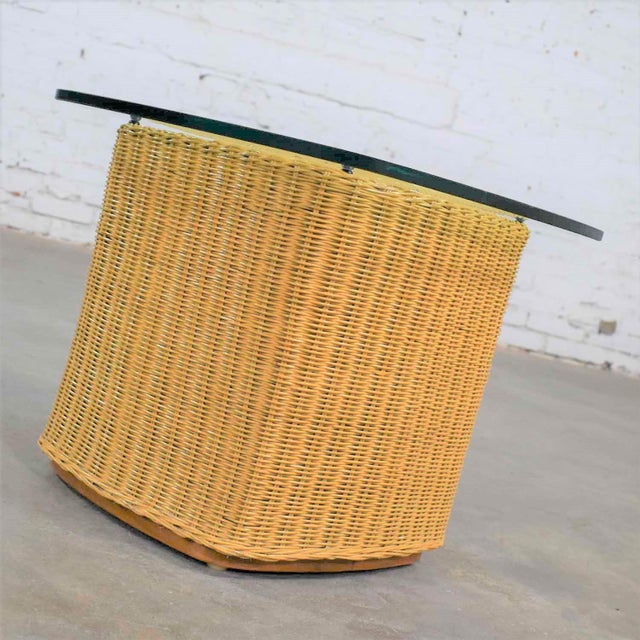 Rattan Wicker Organic Modern Side Table With Thick Glass Top For Sale - Image 4 of 13