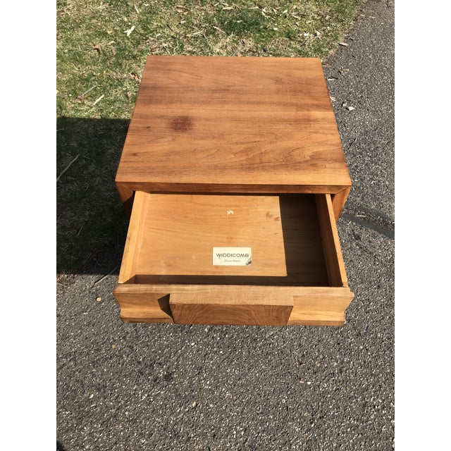 Widdicomb Mid Century Walnut Side Table by Widdicomb For Sale - Image 4 of 8