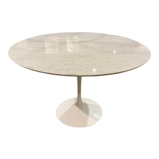 Modern Saarinen Round Carrara Marble Dining Table For Sale