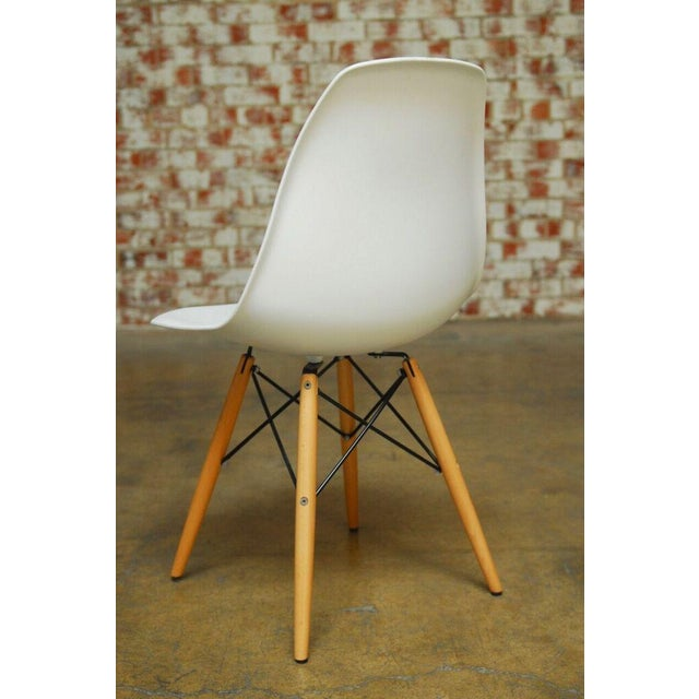 Set of Four Herman Miller Dsw Style Dining Chairs - Image 7 of 11
