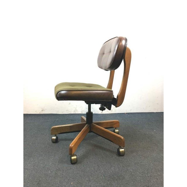Mid-Century Modern 1960's Vintage Mid-Century Leather Office Chair For Sale - Image 3 of 4