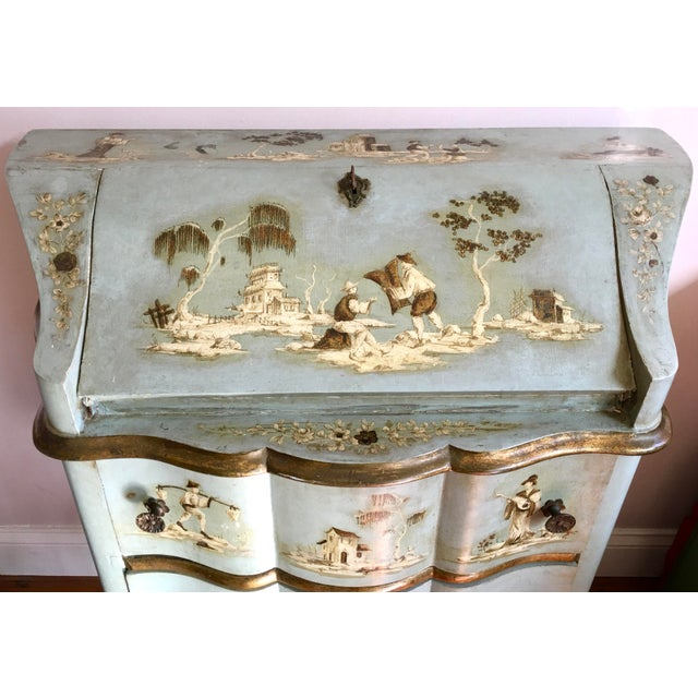 This is a lovely Venetian ladies chinoiserie writing desk made in Italy. Dating 18th/19th Century and is hand painted in...