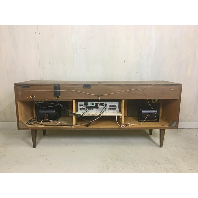 Mid Century Refurbished Stereo Console Cabinet With Turntable Chairish