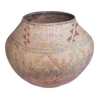A Large and Rare American Indian Zuni Pueblo Polychromed Earthenware Pot For Sale