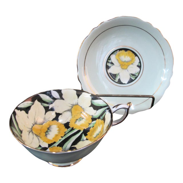 Mid 20th Century Paragon Yellow Daffodil Black Interior Pedestal Cup & Mint Saucer Gilt Trim Set For Sale