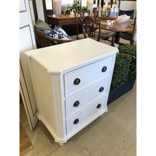 Stylish and versatile small chest of drawers the would make a great night stand having 3 drawers, handsome angular shape,...