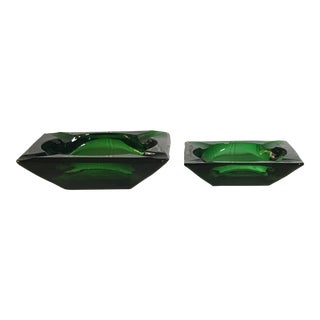 1950s Vintage Emerald Green Ashtrays-a Pair For Sale