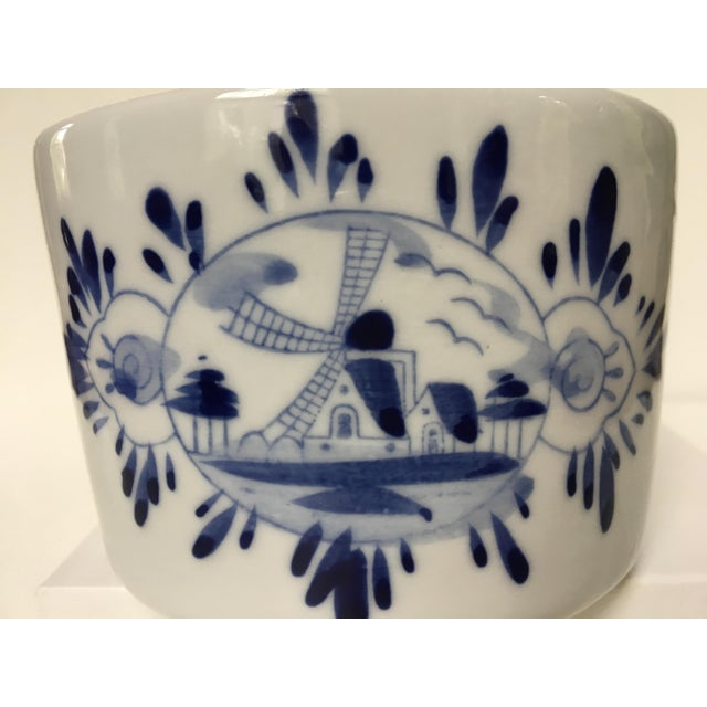 Traditional Blue & White Delft Bowl/Planter With Dutch Boy & Girl Kissing For Sale - Image 3 of 11