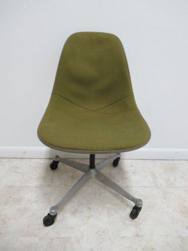 Nice Shape. Some Wear. Please See Photos As They Are Considered Part Of  The. Industrial Vintage Herman Miller Green Fiberglass Egg Office Desk Chair  ...