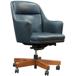 Late 20th Century Vintage Executive Chair For Sale