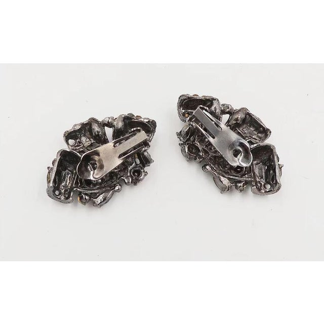 1980s 1980s Thelma Deutsch Japanned Rhinestone Earrings For Sale - Image 5 of 6
