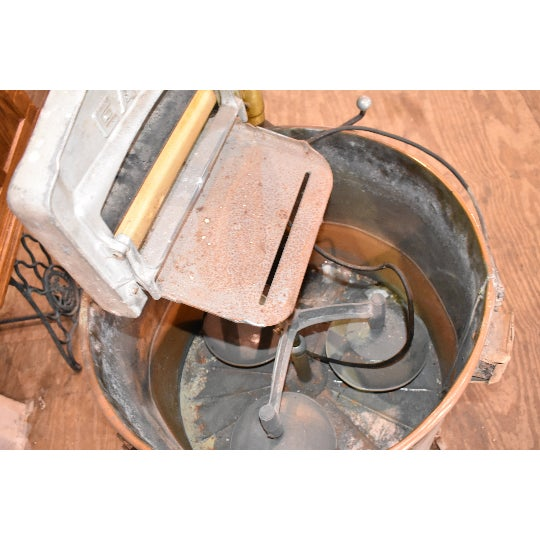 Primitive Antique Easy Primitive Copper Wash Tub Wringer Washing Machine For Sale - Image 3 of 7