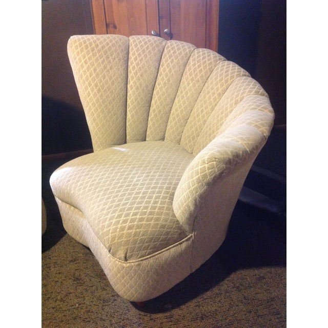 Pair of Mid Century Modern Tan Fan Chairs For Sale - Image 4 of 9
