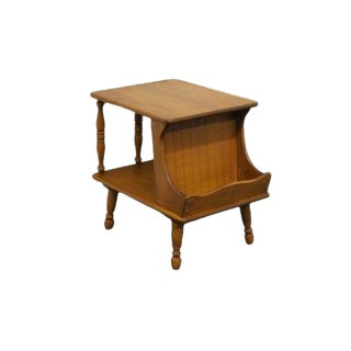 20th Century Early American Ethan Allen Heirloom Nutmeg Maple Magazine End Table For Sale