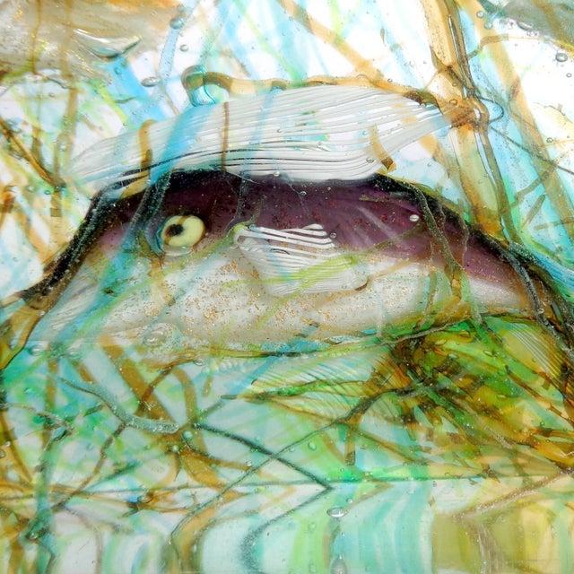 Mid 20th Century Cenedese Murano Three Fish Italian Art Glass Aquarium Block on Lighted Base For Sale - Image 5 of 8