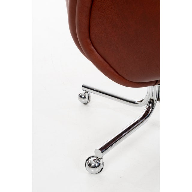 Red DoMore Executive Desk Chair For Sale - Image 8 of 12