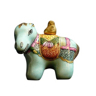 Chinese Handmade Small Size Collectible Porcelain Horse Shape Snuff Bottle For Sale