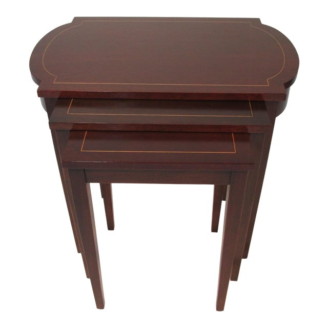 1960s Georgian Mahogany Nesting Tables - Set of 3 For Sale
