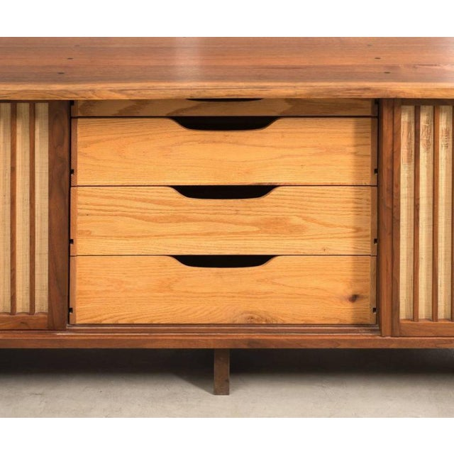 Traditional George Nakashima Triple Sliding Door Cabinet, 1968 For Sale - Image 3 of 9