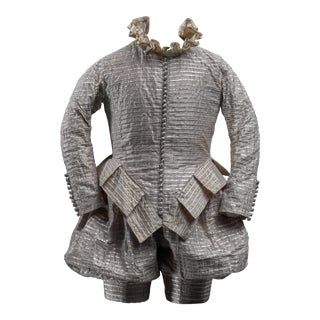 Scaled costume from the Shakesperean collection by Rien Bekkers - Early 17th century style male costume with silver buttons For Sale