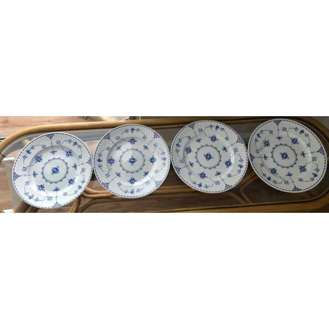 Cottage Blue and White Dinner Plates Made in England Finlandia Print - Set of 4 For Sale - Image 3 of 3
