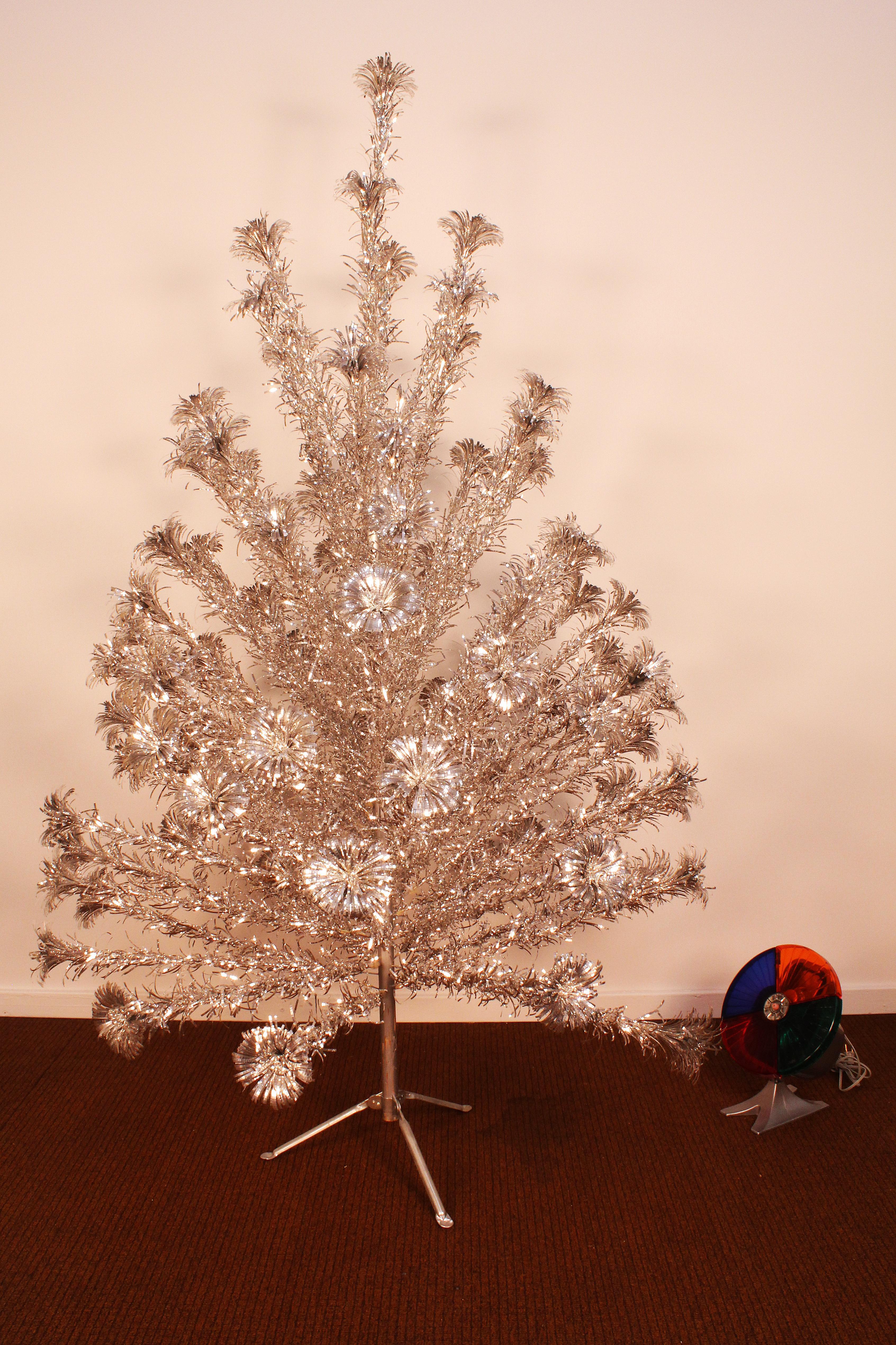 Vintage 1950 S Silver Forest Aluminum Christmas Tree Light Wheel