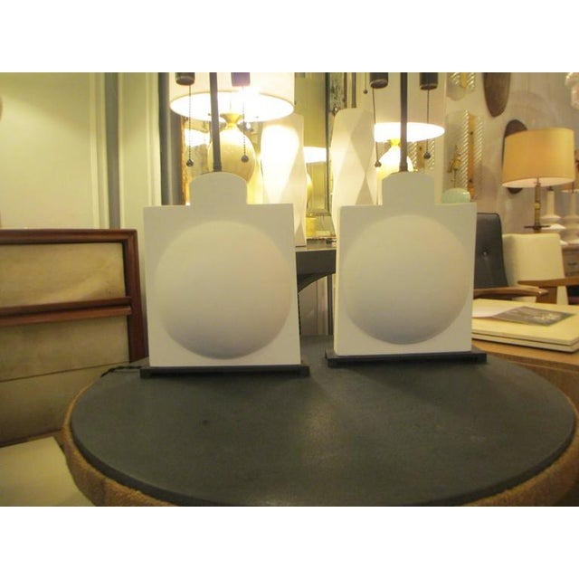 Modern Pair of Modern Sculptural Plaster Lamps For Sale - Image 3 of 7