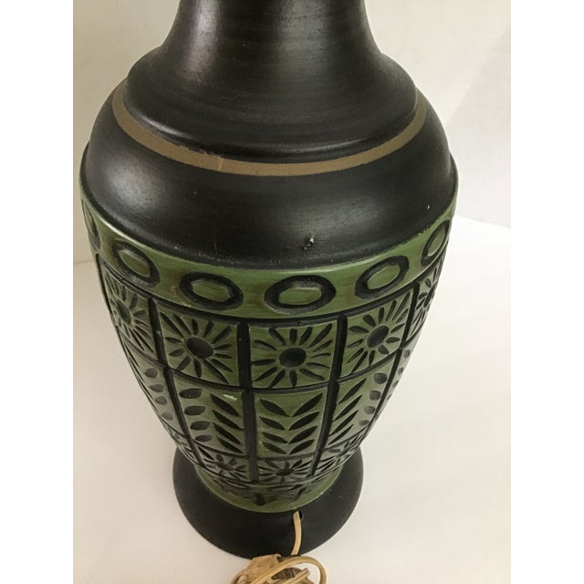 Army Green 20th Century Pottery Geometric Table Lamp For Sale - Image 8 of 10