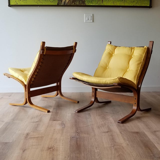 Pair of newly upholstered 1970s Ingmar Relling's 'Siesta' Chairs for Westnofa Furniture. The teak frames have been cleaned...