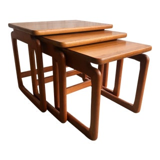 20th Century Tarm Stole Nesting Tables - Set of 3 For Sale