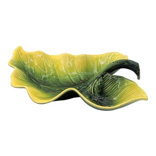 1950s Mid-Century Hull Pottery Green and Yellow Leaf Bowl For Sale