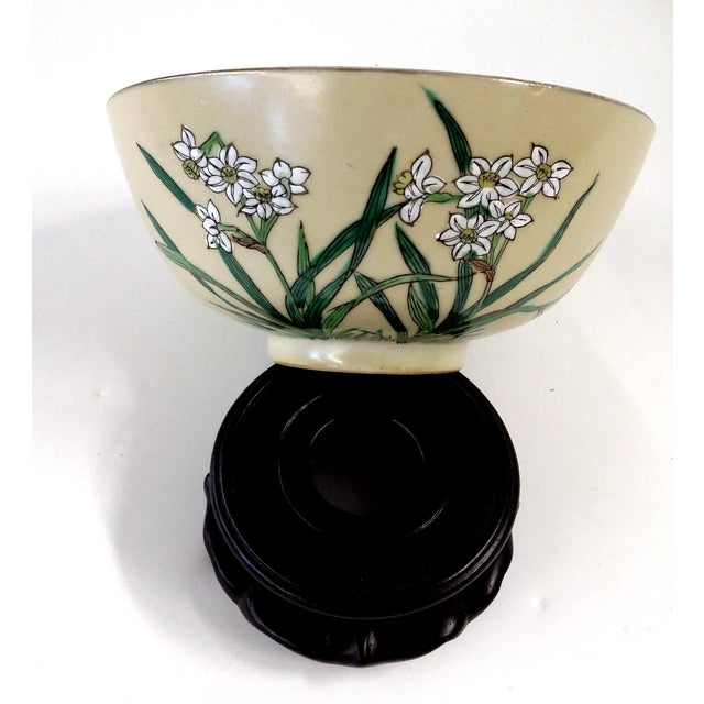 Chinese Porcelain Hand Painted Bowl For Sale - Image 4 of 8