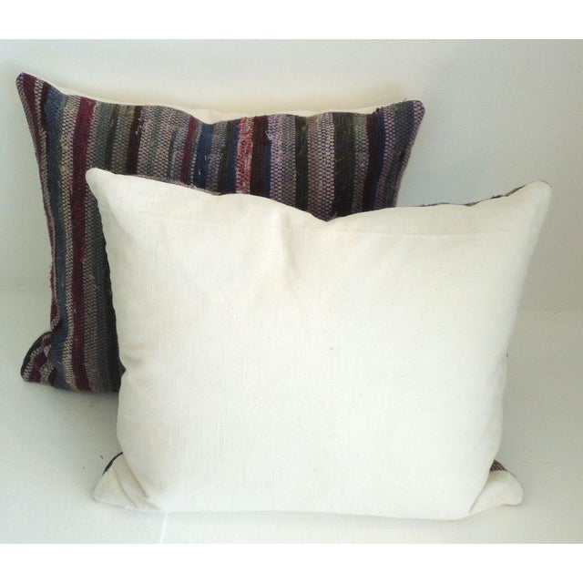 Amish Rag Rug Pillows with Linen Backing For Sale - Image 4 of 4