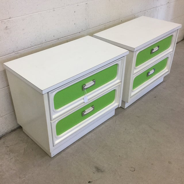 Mid-Century Modern Mid Century Lime Green & White Lacquer Night Stands For Sale - Image 3 of 10