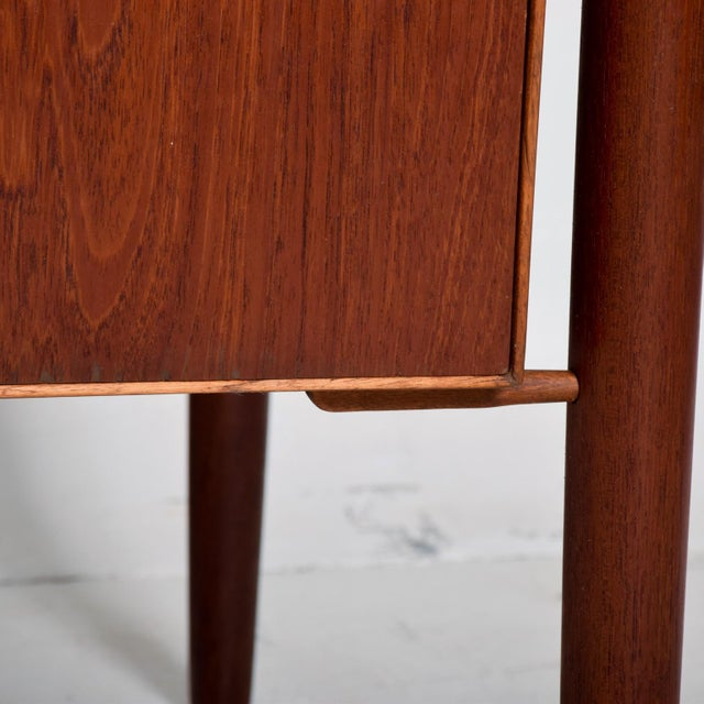 For your consideration a beautiful teak danish modern desk. All drawers are constructed with double dovetail joints and...