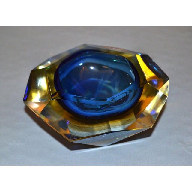 Italian Multi Faceted Murano Glass Ashtray Attributed to F. Poli by Vetri Molati Murano For Sale - Image 3 of 12