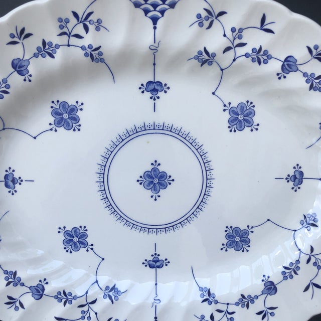 English 1940s Myott Finlandia Blue and White Platter For Sale - Image 3 of 6