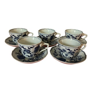 Vintage Blue Danube Blue Onion Pattern Cups and Saucers, Japan - Set of 5 For Sale