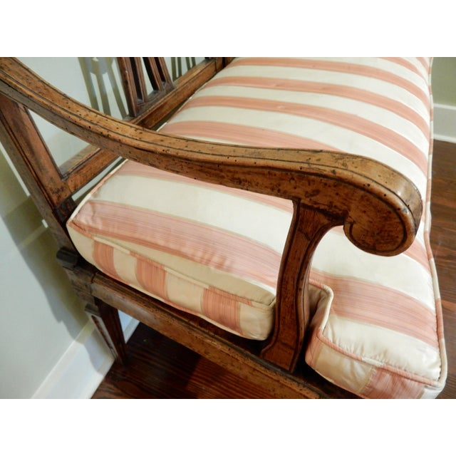 Louis XVI Walnut 18th Century Settee For Sale In New Orleans - Image 6 of 10