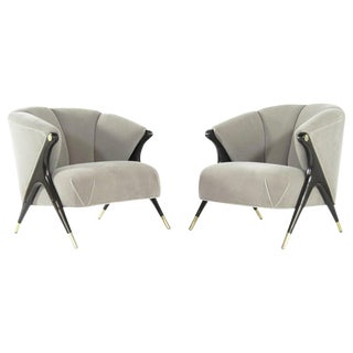 Karpen Modernist Lounge Chairs in Taupe Mohair, 1950s - a Pair For Sale