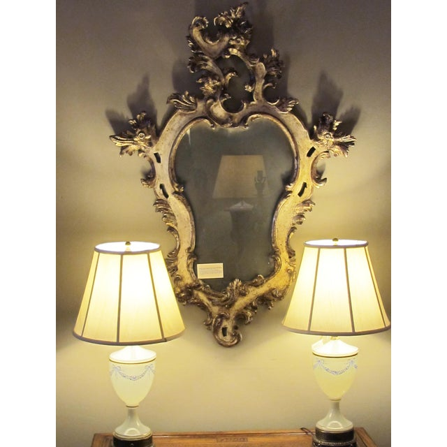 A Fanciful Venetian Rococo Revival Ivory Painted and Parcel-Gilt Cartouche-Shaped Miror For Sale - Image 4 of 5