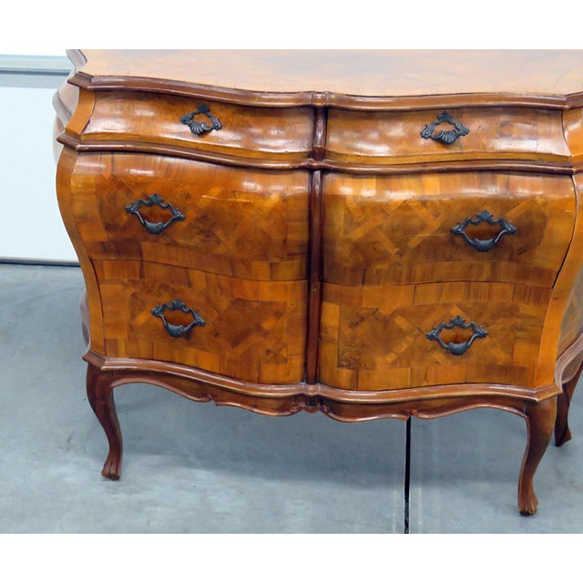 Mid 20th Century Italian parquetry inlaid 4 drawer commode.