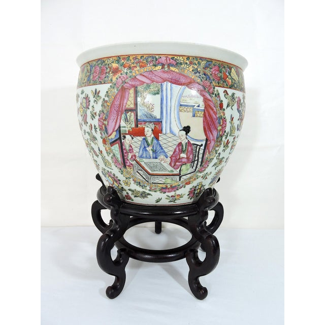 Asian Early 20th Century Antique Chinese Qianlong Porcelain Planter For Sale - Image 3 of 11