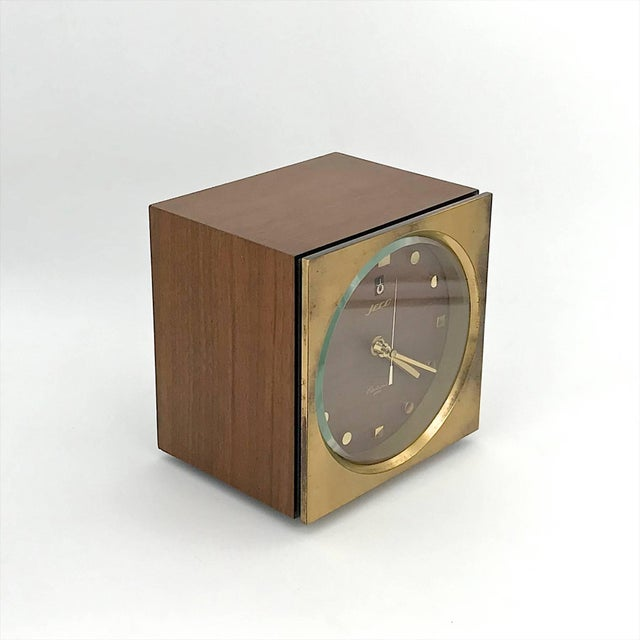 Mid-Century Modern 1960s Tiger Tenaka Japanese Table Clock in Walnut Glass and Brass For Sale - Image 3 of 11