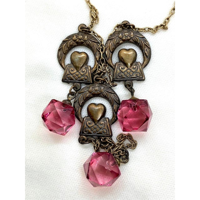 1920s Deco Era Brass and Pink Faceted Glass Necklace For Sale In Los Angeles - Image 6 of 8